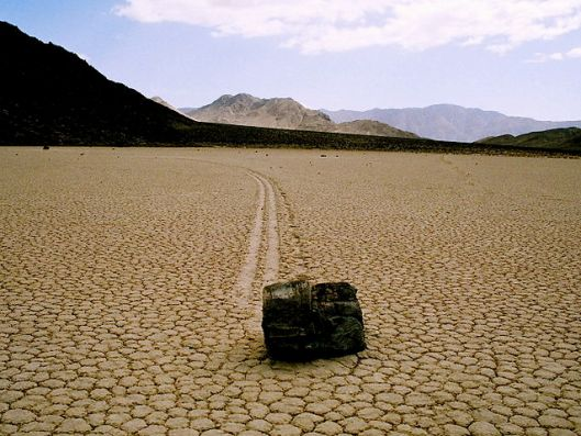 sailing-stones-racetrack-playa