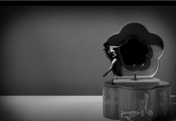 """Foto tratta dal progetto """"La ballerina del Carillon """" di Samanta Tamborini dal sito www.samantatamborini.com/"""